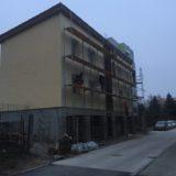 Stavebná spoločnosť QUATTRO-H - práca na fasáde v bytovom dome Sofia v Šamoríne